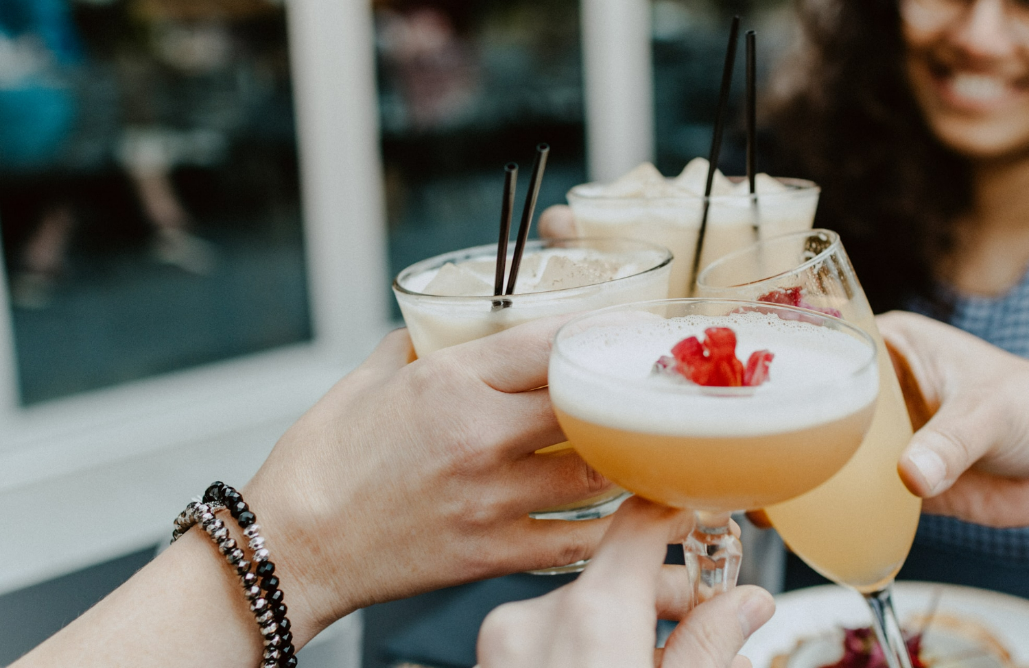 Alcohol and Weight Loss: Can You Combine Them?