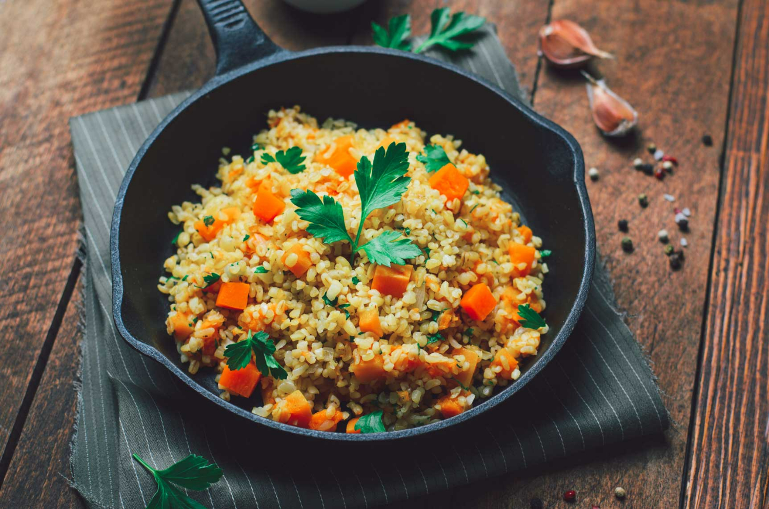 Bulgur with pumpkin and dried apricots