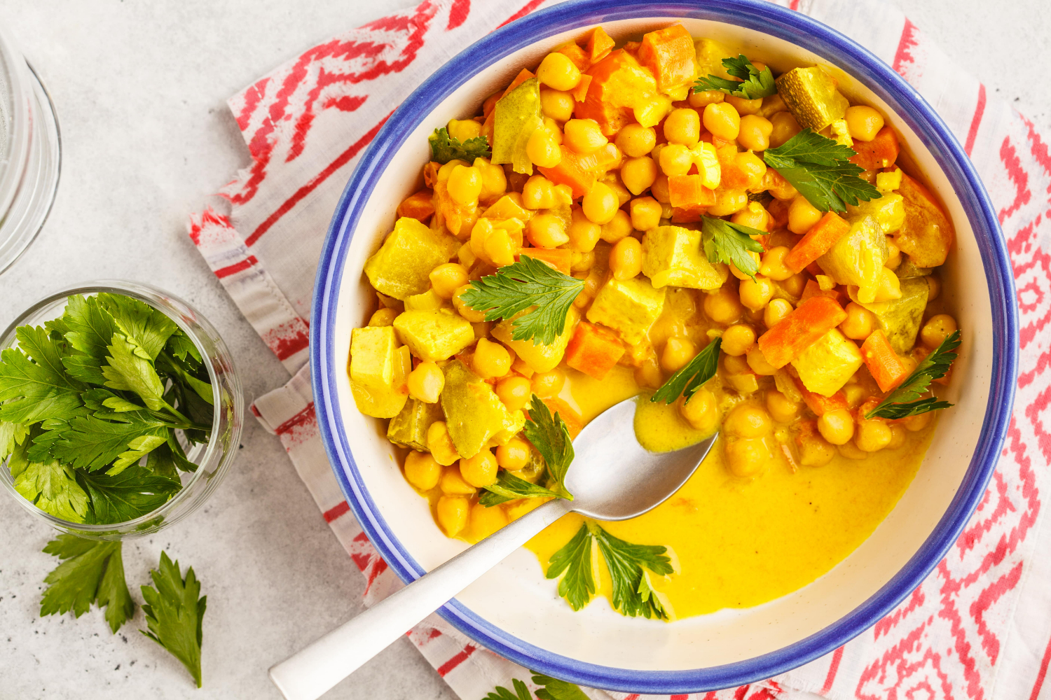 """Chickpeas """"Curry"""" with tofu"""